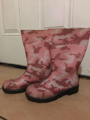 Girl rain boots size 2 for Sale in Modesto, CA