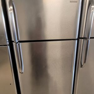 Frigidaire Stainless Steel Top Freezer Refrigerator Used Good Condition With 90day's Warranty for Sale in Mount Rainier, MD