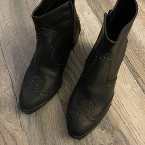 Western studded Short cowboy Boots Booties NWT for Sale in Ashland City, TN