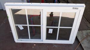 Ventana corrediza medida 36x 24 for Sale in Bakersfield, CA