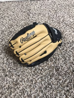 Rawlings Boys Baseball Glove Kids 9 inch RH Very Light Use Inside tag missing for Sale in Buckhannon, WV