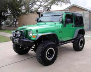 Asking $12OO Jeep Wrangler 2OO4 for Sale in Charlottesville, VA