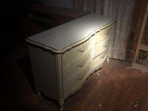 Dresser for Sale in Wichita, KS
