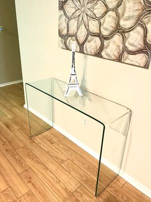 Glass table Great condition for Sale in Los Angeles, CA