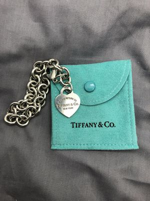 "Tiffany & Co 925 Sterling Silver Heart Tag Link Chain Charm Bracelet 7-1/2"" 35g for Sale in Phoenix, AZ"