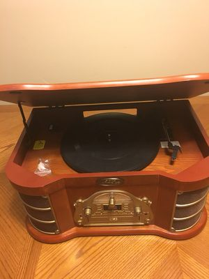 PYLE Vintage All in one Audio. Like New. Everything works. AM/FM. CD player. Cassette. USB. Record Player. for Sale in Buffalo Grove, IL