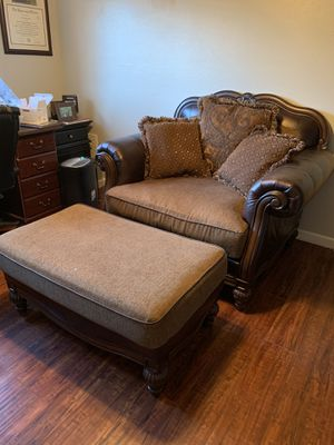 Oversized Love seat for Sale in Safety Harbor, FL