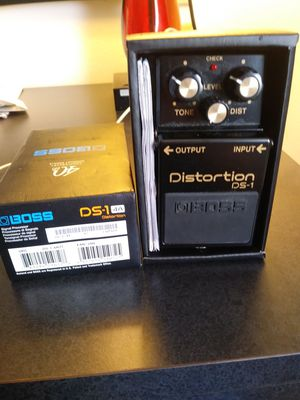 Boss distortion box for electric guitar - like new for Sale in Englewood, CO