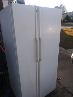 Side by side fridge for Sale in Concord, NC