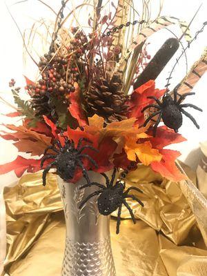 AUTUMN SEASONAL ARRANGEMENT WITH SPIDERS for Sale in Riverside, CA