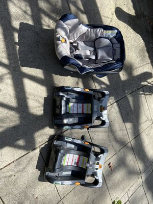 Infant car seat & 2 bases for Sale in Boise, ID