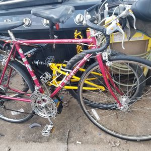 Bike speed 27 Switch Sports Good condition Text for Sale in Manassas, VA