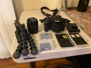 EOS Rebel T7i - Tripod, 3 memory cards, spare battery and kit lens included!! for Sale in Rancho Cucamonga, CA