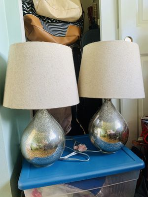 Matching pair of lamps with shades for Sale in Everett, WA