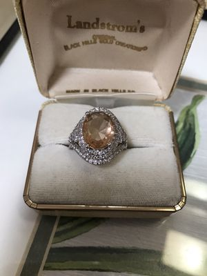 Morganite Quartz Stunning Ring Size8 for Sale in Wood Dale, IL