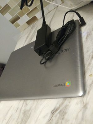 Chromebook 4 with charger for Sale in San Francisco, CA