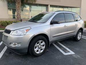 2010 Chevy Traverse for Sale in Miami, FL