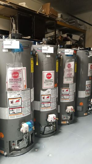 Rheem Performance Platinum Water Heater 40 and 50 gal for Sale in Los Angeles, CA