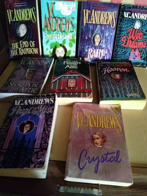 V.C. Andrews Paperback books for Sale in Modesto, CA