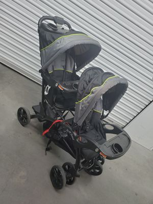 Shitty Double Stroller 😒 for Sale in North Las Vegas, NV