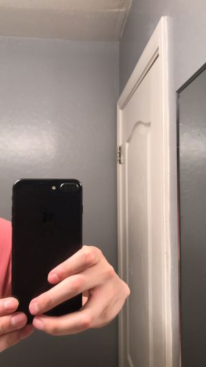 iPhone 7 Plus for Sale in Tolleson, AZ