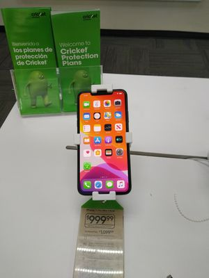 iPhone 11 Pro Max $150 off 2/14!! for Sale in Pine Bluff, AR