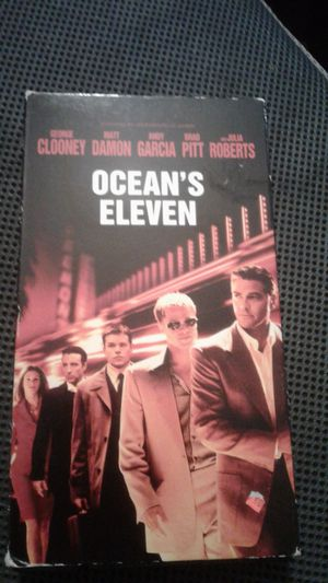Ocean's Eleven VHS used. PG-13. 117 minutes running time. Extra 10 minutes bonus. for Sale in Los Angeles, CA