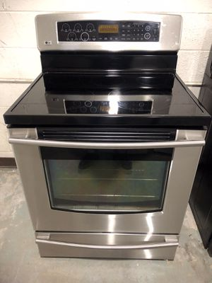 Lg stainless steel glass top electric stove for Sale in Lexington, NC
