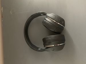 hesh 2 wireless headphones for Sale in Hudson, OH