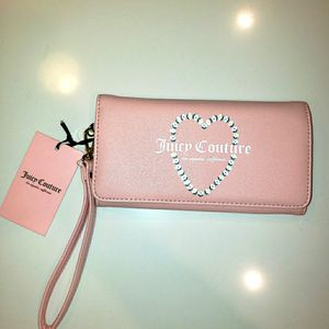 Juicy Couture Pink Wallet for Sale in Hanover Park, IL