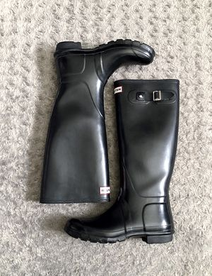 Women's Hunter Original Tall rain boots size 9 Retail $150 Great condition! Color black. Great boots & classic style. for Sale in Washington, DC