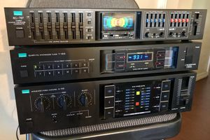 Vintage 1983 SANSUI Japan 3 Piece Stereo System Receiver/Amp Tuner EQ for Sale in Long Beach, CA