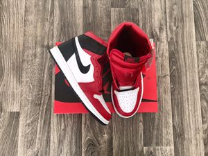 Jordan 1 retro high satin snake red (size 8.5w - 7m) for Sale in Montclair, CA