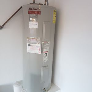 Water heater electric 50 galons for Sale in Glendale, AZ