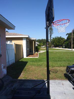 Brand new basketball hoop. for Sale in St. Petersburg, FL