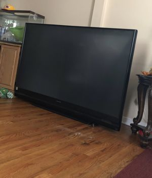 Good tv with remote works great offer me something for Sale in Charlottesville, VA