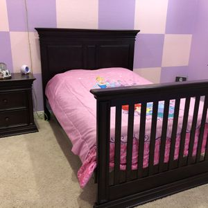 Baby/Kids bedroom set - 4 in 1 crib, toddler bed to full bed for Sale in Peoria, AZ