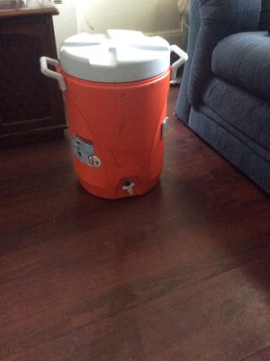 Rubbermaid water cooler for Sale in Baltimore, MD