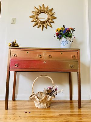 Beautiful Console or Hallway table for Sale in Buffalo, NY