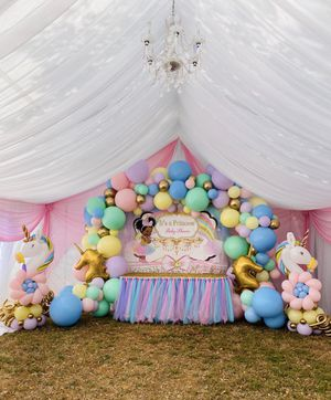 Balloon and drapes decorations. for Sale in Garden Grove, CA