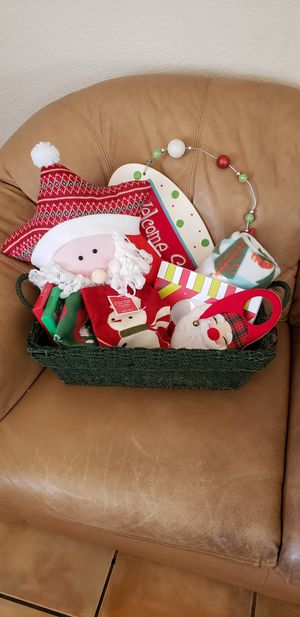 Christmas Basket for Sale in Phoenix, AZ