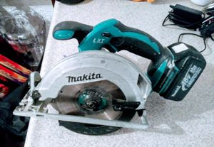 """Makita XSS02Z 18V LXT Lithium-Ion Cordless 6-1/2"""" Circular Saw for Sale in Las Vegas, NV"""