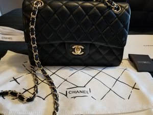 Chanel classic double flap bag for Sale in Fontana, CA