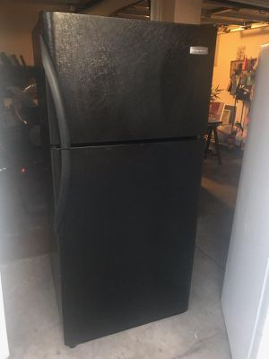 $260 Frigidaire black 18 cubic fridge includes delivering the San Fernando Valley a warranty and installation for Sale in Los Angeles, CA