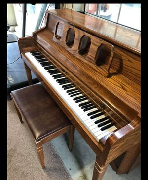 Kimball piano FREE for Sale in Santa Maria, CA