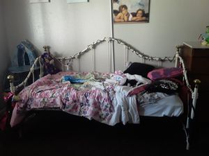 Day bed for Sale in Merced, CA