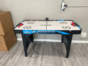 Triumph Air Hockey Table 5ft x 2.5ft (60inch x 30inch)with score board for Sale in North Miami Beach, FL