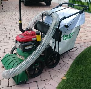 billy goat self-propelled Honda vacuum. for Sale in Miami, FL