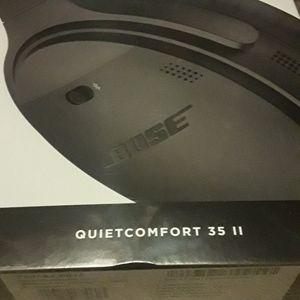 Brand New Bose Quietcomfort 35 II Wireless Headphones for Sale in Vancouver, WA