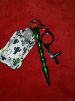 Self defense keychain with essentials for Sale in Houston, TX